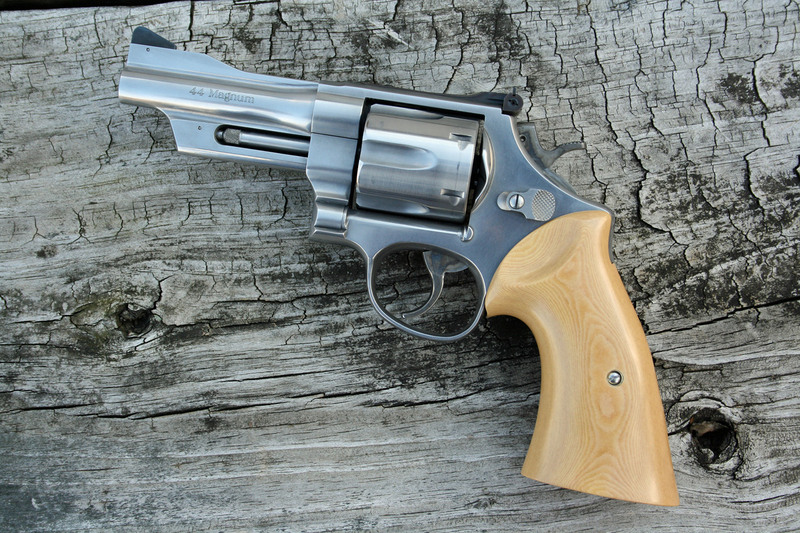 Show off your Smith and Wesson revolvers! - 24hourcampfire