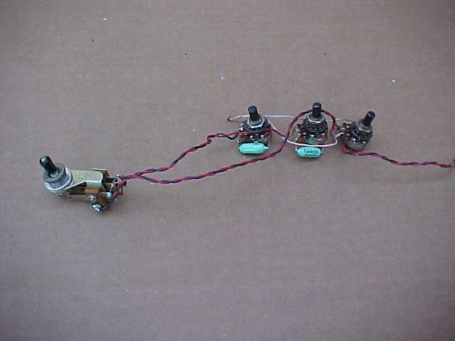 original vintage 1960s vox guitar pots caps switch wiring harness great for restoring 60s vox guitars please scroll down and look at all the pictures we will accept paypal on this auction no zero feedback bidders
