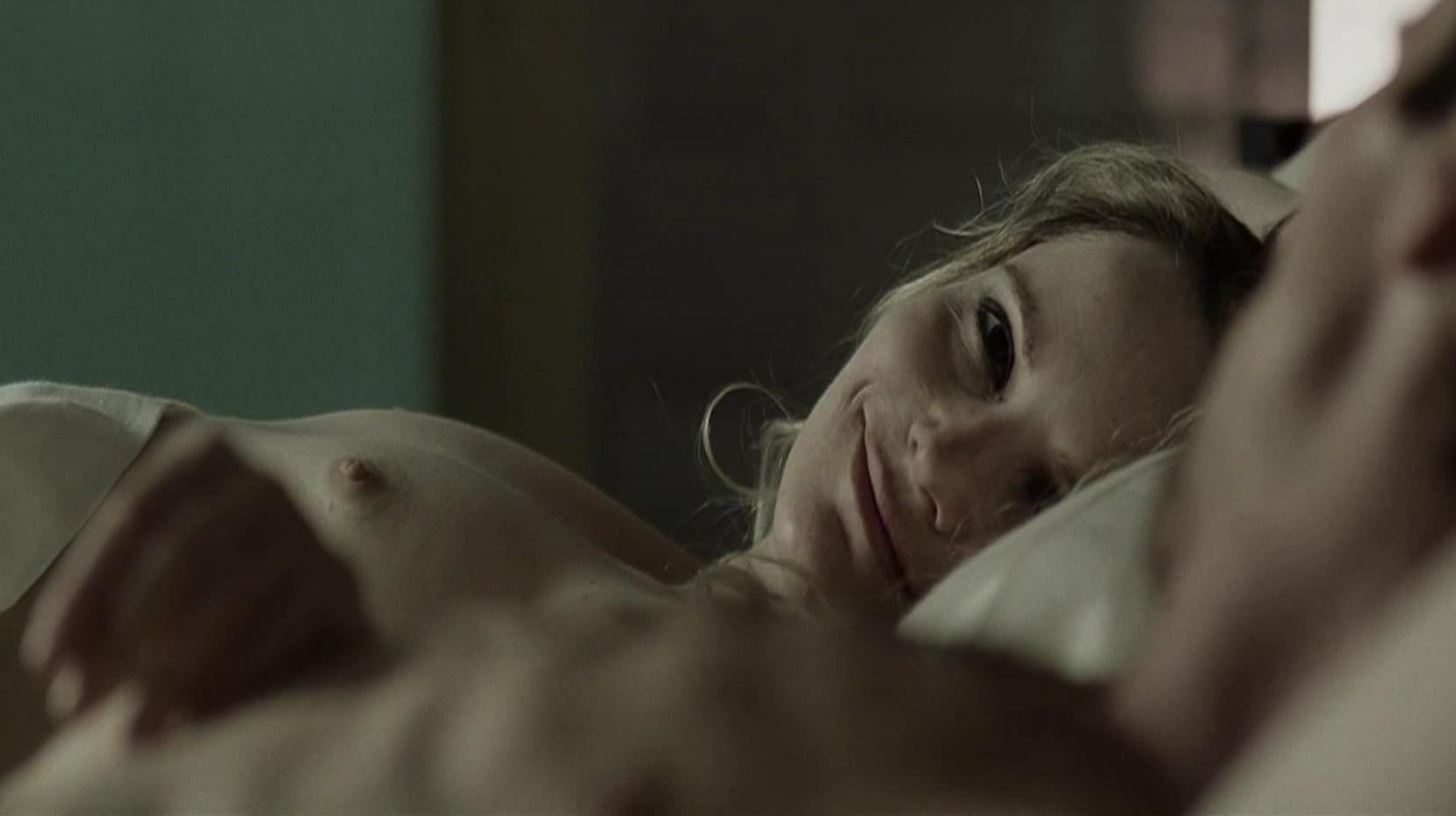 Jennifer Jason Leigh The Machinist P