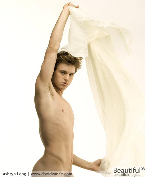 Nghệ thuật nude - chàng adam gợi cảm Beautifulmag%202