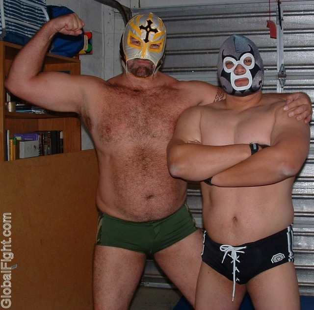 Photo 921 of 2357 wrestling pictures gallery for 16 wrestlers and their huge homes