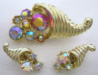 <h1>Glass Stones and Beads</h1>