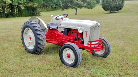 1957 Ford Model 660 Series 600 Tractor