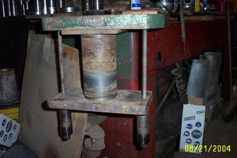 600 D sleeve & piston repair