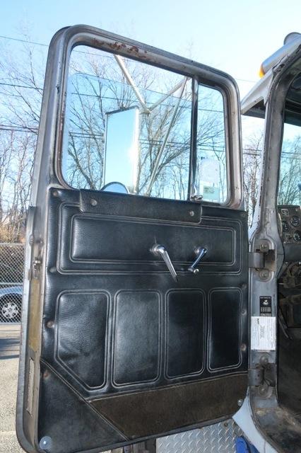 Mack R-Model Dump Truck for sale 1989