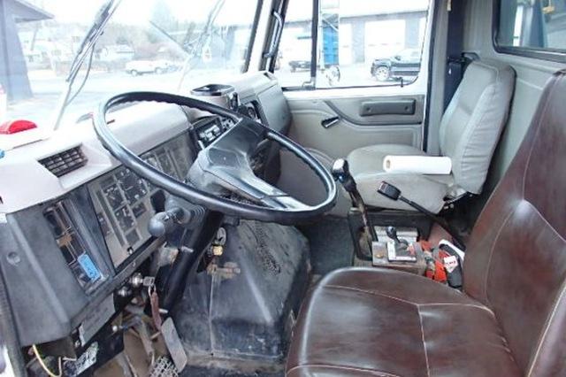 International Tri Axle 2674 Dump Truck Cat 3406 425hp