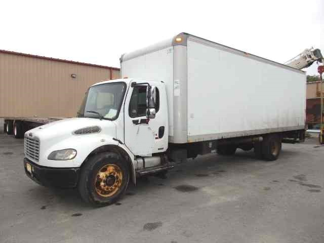 2004 Freightliner M2 Business Class Body Morgan 26 ft Box with Lift Gate