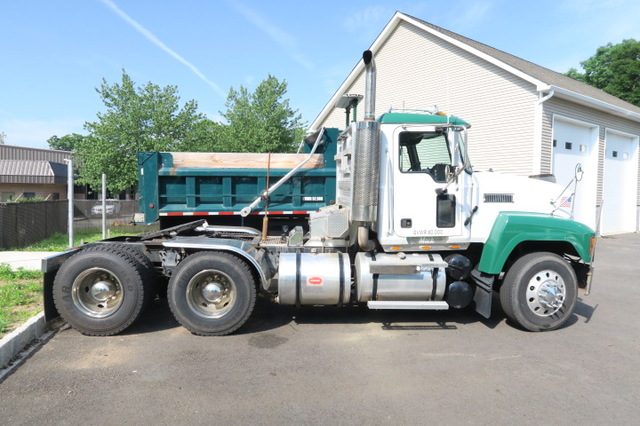 2004 Mack Ch 613 427 Day Cab Tandem Axle Excellent Condition