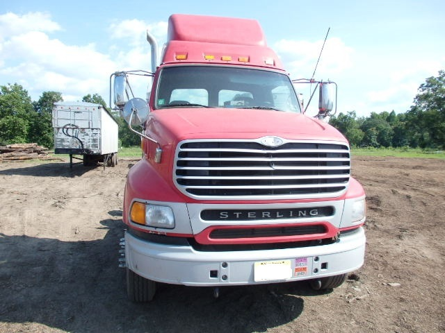 Tandem Axle AT9500 Sterling Day Cab