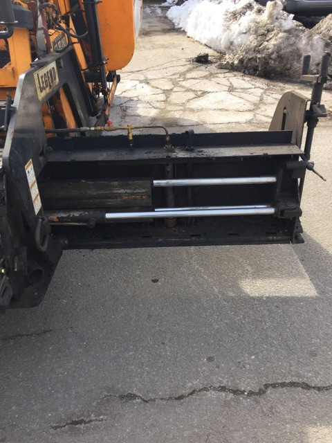 2009 Leeboy 8500 Low Deck Paver
