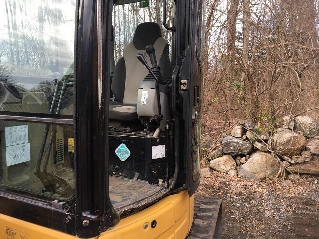 Caterpillar 304C CR Mini Excavator with Cat Hydraulic Thumb