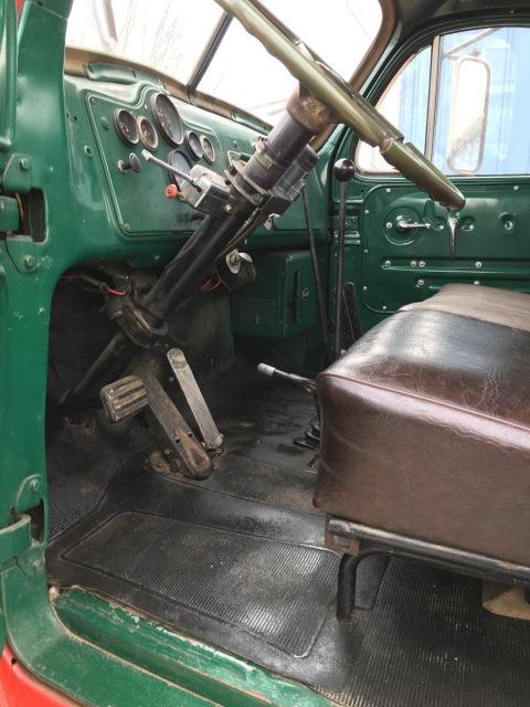 1965 B61 B-Model Mack Tandem Axle Tractor