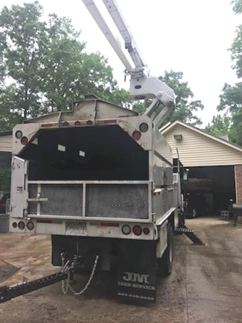 2004 Bucket Truck C8500 GMC w High Ranger 75ft Forestry 11ft Southco Dump Chip Box