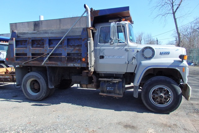 used Ford L8000 single axle dump truck