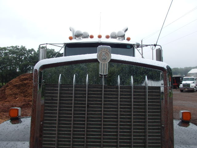 Kenworth W900LB Tandem Tractor 46 rears for sale