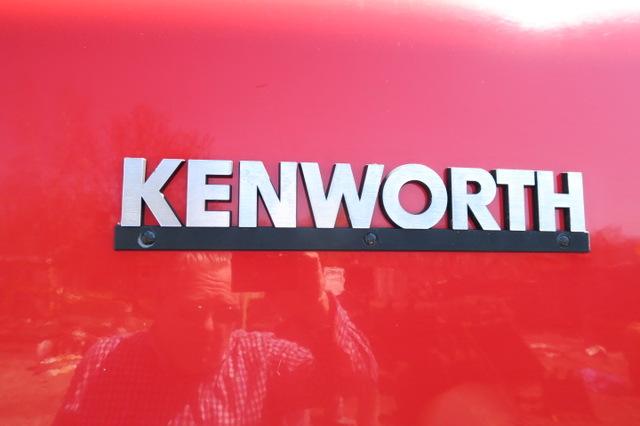 2006 Kenworth W900 Tandem Axle Tractor C-15 550hp