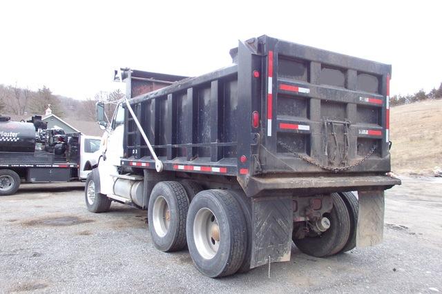LT9522 Tandem Axle Dump Truck