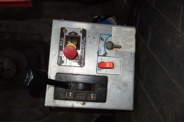 Tandem Axle Dump Truck
