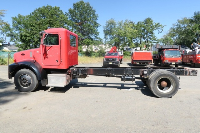 2004 Peterbilt 330 Cab and Chassis Automatic Low Miles