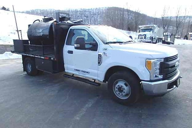 sealcoat truck for sale |sealmaster| asphalt sealcoating equipment