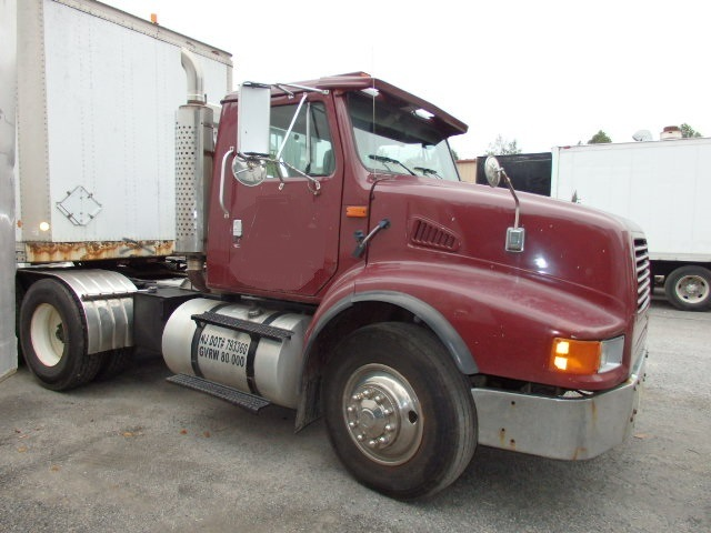 Tandem Axle Day Cab Tractor for sale