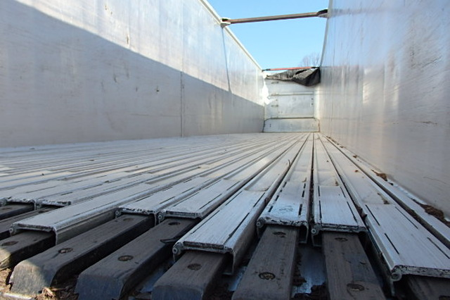 Walking floor trailer for sale | East Live floor Trailer | 100 yard east
