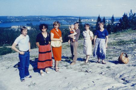 Ajda and Vesna in Finland 1981